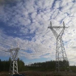 Uutta ja vanhaa sähkölinjaa
